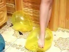 Stomping balloons