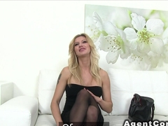 Huge tits model bangs in casting