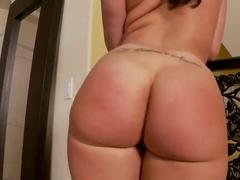 Masturbation from luxurious Kelly Divine
