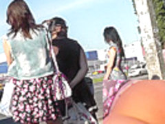 Amateur upskirts of the super slender young girlfriend