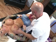 Dirty Masseur: Retail Therapy