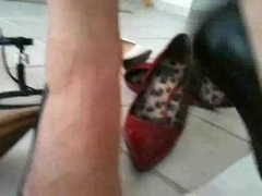 SHOEJOB HEELJOB COOK JERKING - cum on Louboutin Heels.
