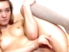 I'm rubbing my twat in amateur masturbation video