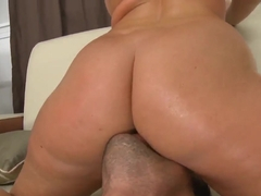The massive ass of Sophie Dee should be fucked without stopping