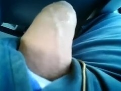 Jerking off in the public bus behind hot lady