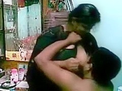 Indian Man try to have a fun with her fairy paramour womany