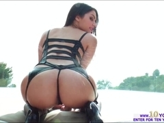 Valentina Nappi gets assfucked and receives a hot sticky cumshot