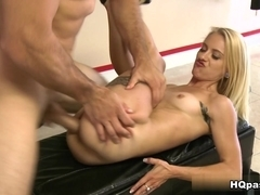 MoneyTalks - Naked yoga