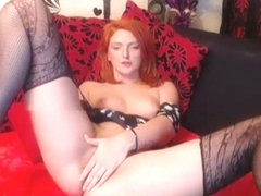 Gorgeous Red Head Camgirl Plays Her Cunt