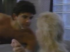 Joan Chamberlain,Susan Paris in Ex-Cop (1993)