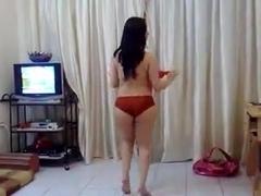 Mature Muslima Hot Milf Dancing and Seducing Hindu Stud