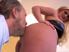 Hottest pornstars Julie Cash, Tom Byron in Fabulous Cumshots, Femdom adult scene