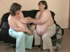 two omas mit richtig fetten eutern