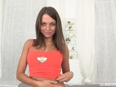 Teen honey fucking a red candle