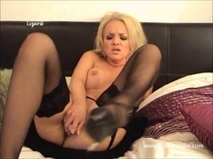 Blond lesbo with large milk sacks climaxes with her large pink toy