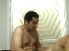 jpete ma femme dans le bain