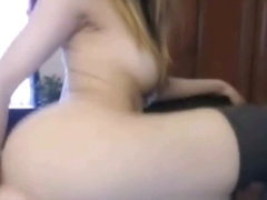Cute Face Teenager Dildoing On Webcam