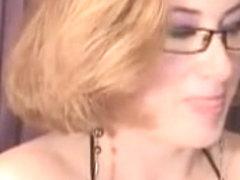 Mature slut masturbates in sex video