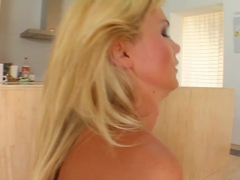 Sperm Swap Babes in heels banged by two lucky dudes for sperm swap