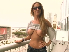 Sexy stunner Gianna Foxxx plays with her cunt in public