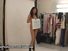 Gipsy girl in sexy backstage video