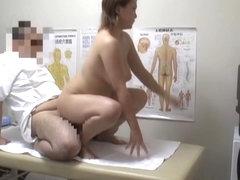 Dirty masseur doing the nasty hardcore massage on voyeur cam