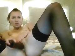 YuG_Ava fucks herself in front of webcam