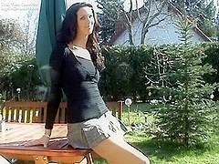 Latina beauty gets good outdoor fuck