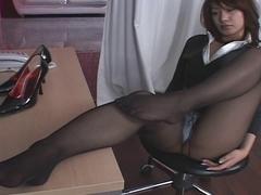 Oriental Hose Upskirt