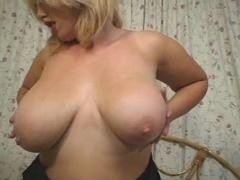 Hawt Breasty Blond Plumper Bonks Herself