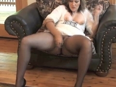 Hawt mother I'd like to fuck getting off in seamless hose