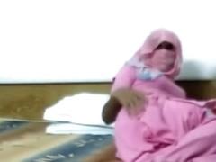 Meet his Muslim wife Isha