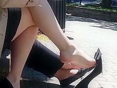 breath taking shoe dangle