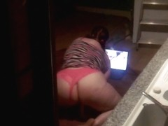 Spying on a dirty slut fucking herself with a carrot