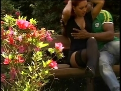 Sexy chick gets her bush team-screwed in the garden