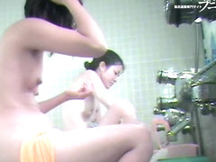 Japanese girlfriends shot naked from the right side dvd 03128