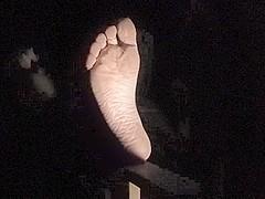 Jordyn's Beautiful Bare Feet are Back!