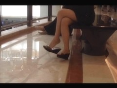 Candid Asian Shoeplay Feet Dangling Nylons