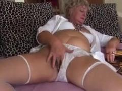 Ellena is a mature slut that likes anal