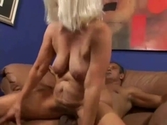 Fucking sexy golden-haired granny