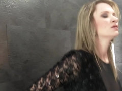 Glamour slut rubs pussy