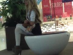 Bombshell waits for her rich boyfriend