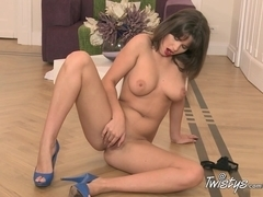 TwistysNetwork Video: Sweet Doll