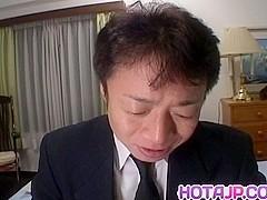 Reina Matsuyuki gets oral fuck
