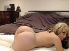 Playful twerking girl with long nips, wide hips