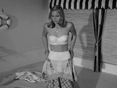 Sharon Ullrick,Kimberly Hyde,Cybill Shepherd,Unknown in The Last Picture Show (1971)
