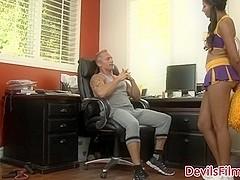 Cheerleader Sadie Santana cockriding