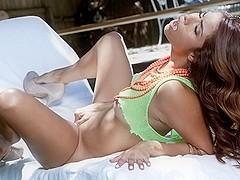Isabella De Santos in Follow Me