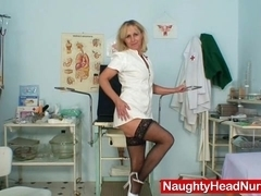 Petruse mature pussy speculum gaping and masturbation