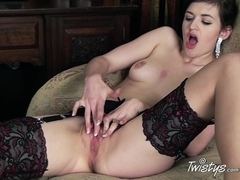TwistysNetwork Video: Wanna Play With Me